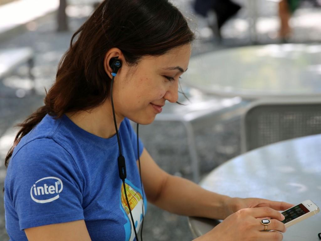 Biosport wearable device di Intel SMS Audio