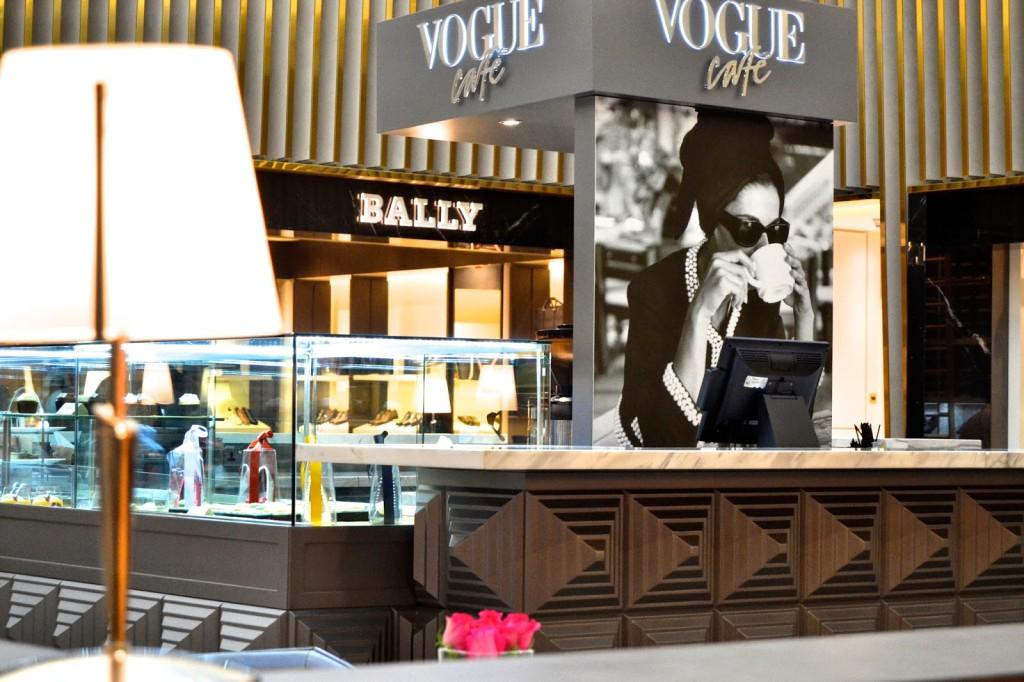 Vogue Cafe al Shoe Level District Dubai