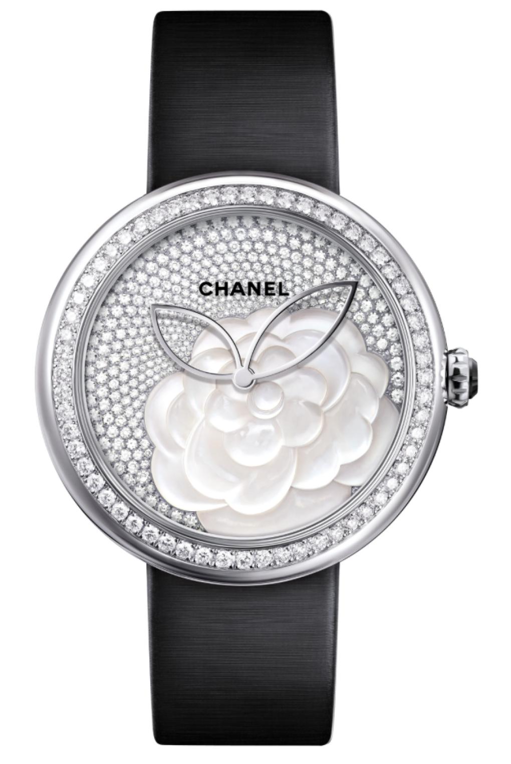 Chanel presenta Mademoiselle Privé Décor Camélia Nacré