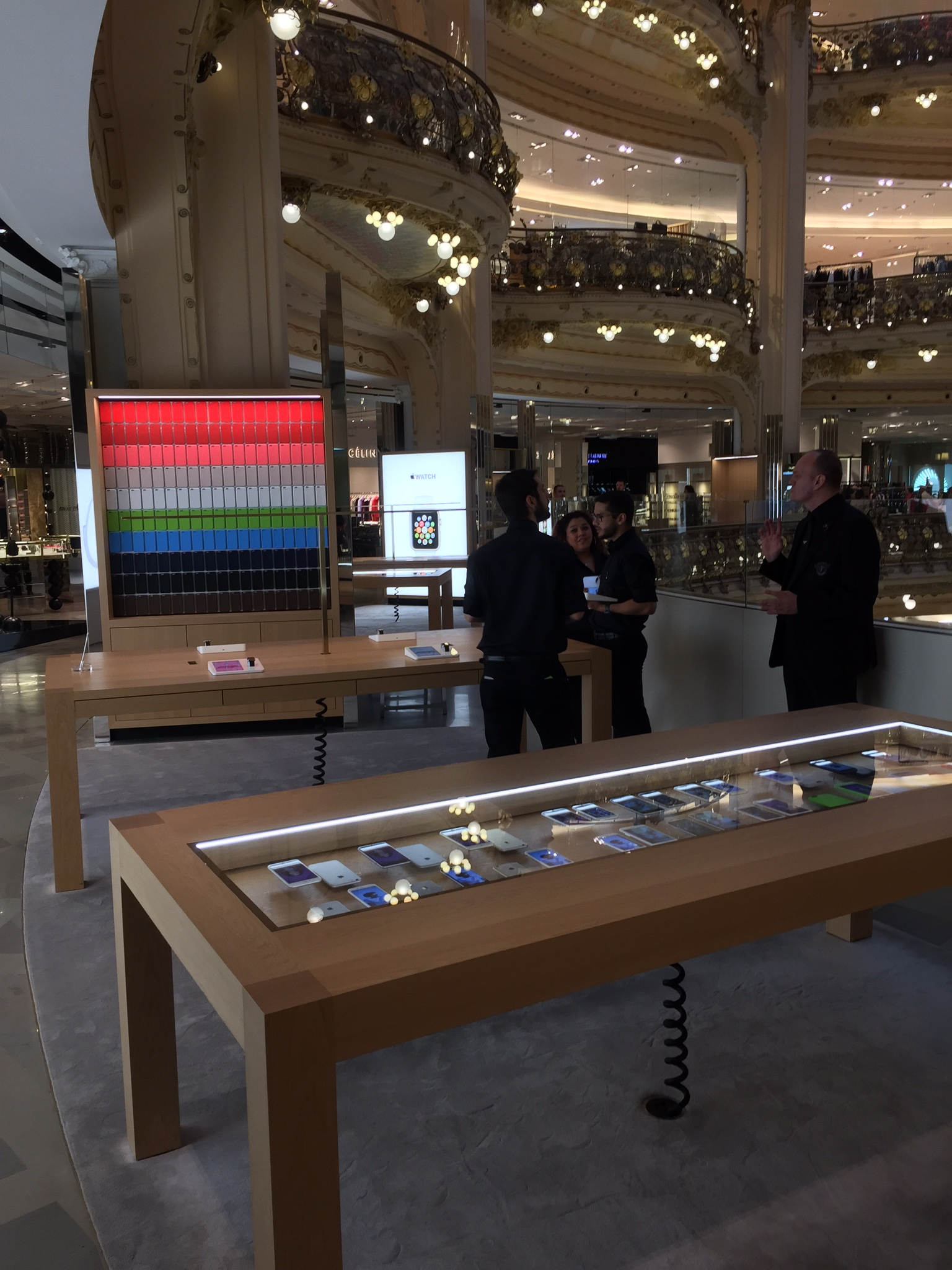 Visita Apple Store Galeries Lafayette Parigi