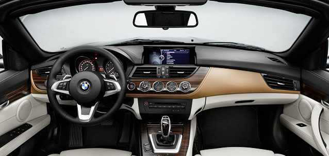 bmw x4 interior photos series reviews and rating motor trend driven f26 bmw x4 the x3. Black Bedroom Furniture Sets. Home Design Ideas