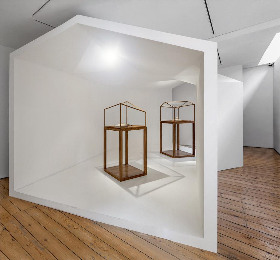"""Ai Weiwei Elisabetta Cipriani Londra """"Rebar in Gold"""""""