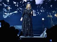 Adele brand ambassador: world tour indossando Burberry